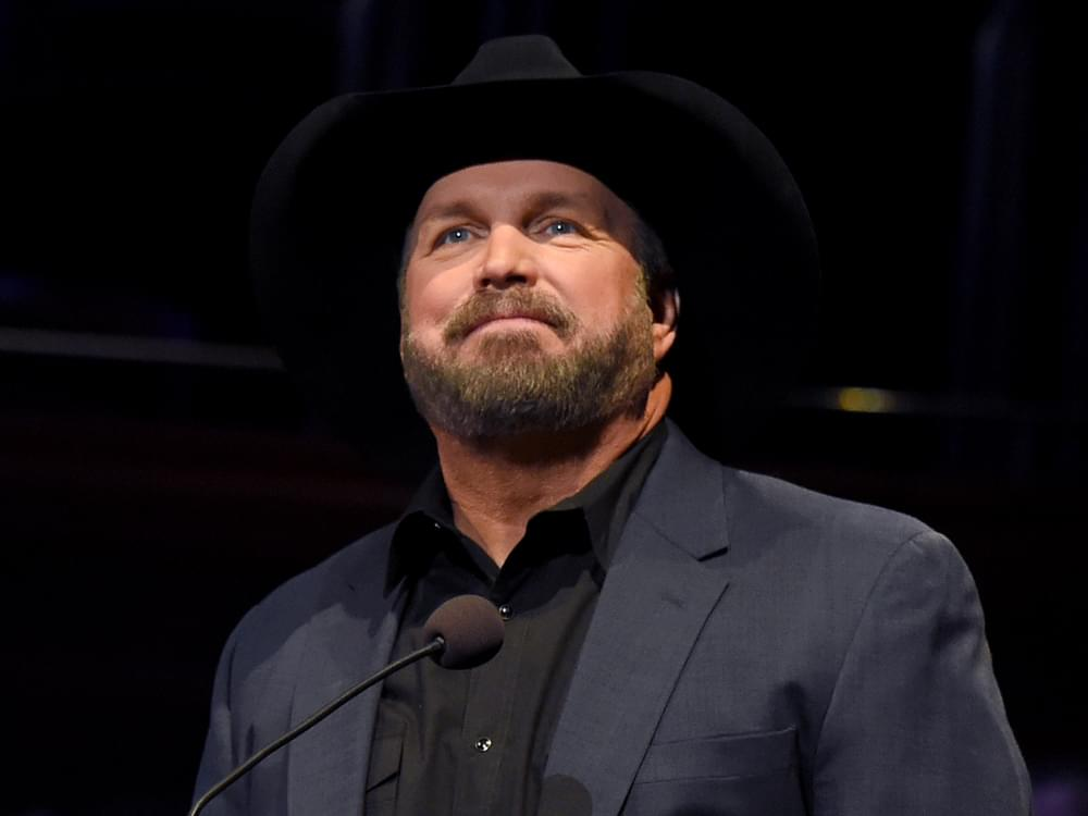 "Garth Brooks to Become One of Only Nine Artists in History to Receive ""Billboard Icon Award"""