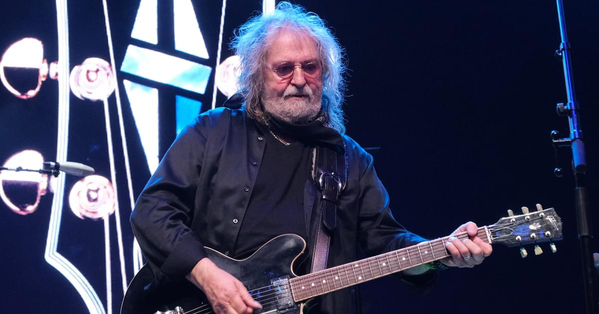 "Ray Wylie Hubbard Returns With Gritty New Album, ""Co-Starring,"" Featuring Motley Mix of Guest Artists"