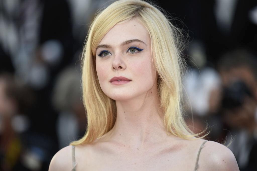 Vanity Fair: Elle Fanning Likes to Be Naked