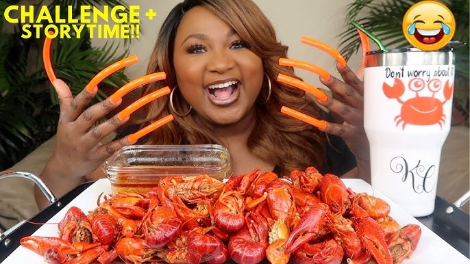 WATCH: Eating Crawfish With Extremely Long Nails Ain't No Joke!