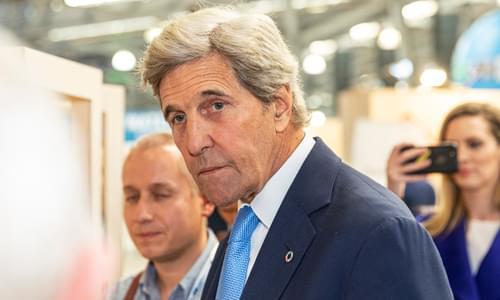 Kerry Compares Climate Change Movement to World War II