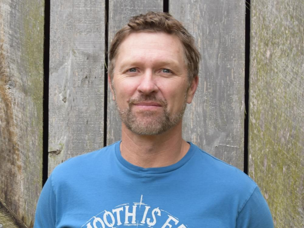 """Craig Morgan Remembers Late Son in Heartfelt New Song, """"The Father, My Son and the Holy Ghost"""" [Listen]"""