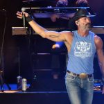 Tim McGraw Stops Show, Jumps Off Stage To Confront Hecklers [WATCH]