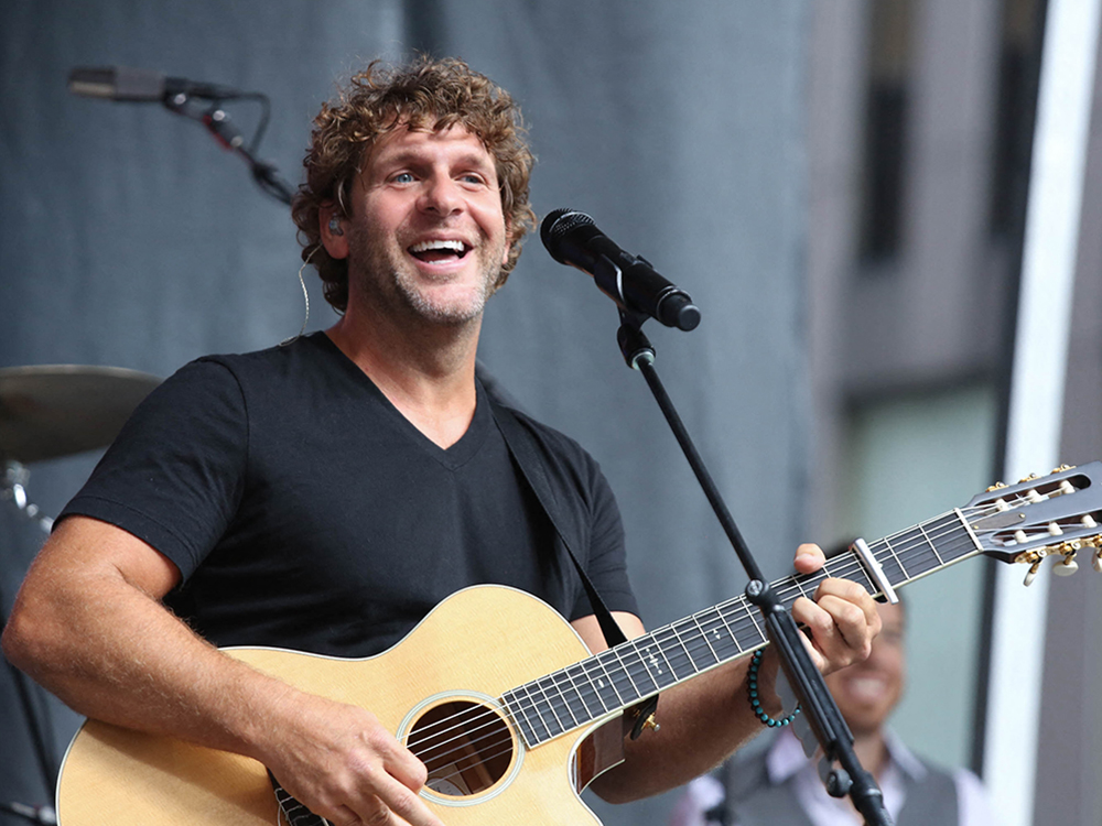 "Billy Currington Announces ""Stay Up 'Til the Sun"" Tour"
