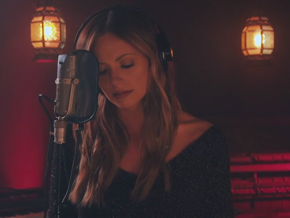 "Watch Carly Pearce's Wistful New Video for ""Every Little Thing"""