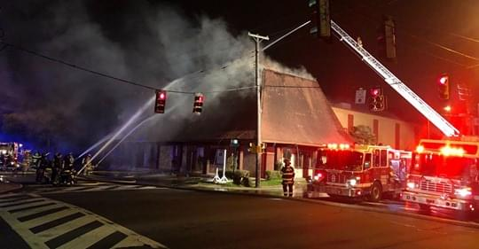 The old Don's Seafood Building In Shreveport Goes Up In Flames