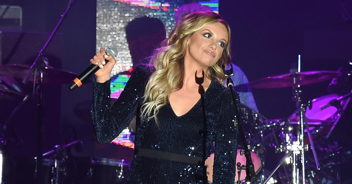 """Carly Pearce Warns Against Smooth-Talking Guys in New Banjo-Filled Single, """"Next Girl"""" [Listen]"""