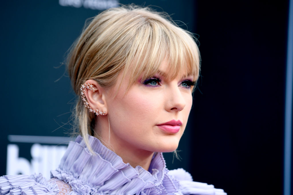 Taylor Swift Wrote A Song About Stephen Colbert!