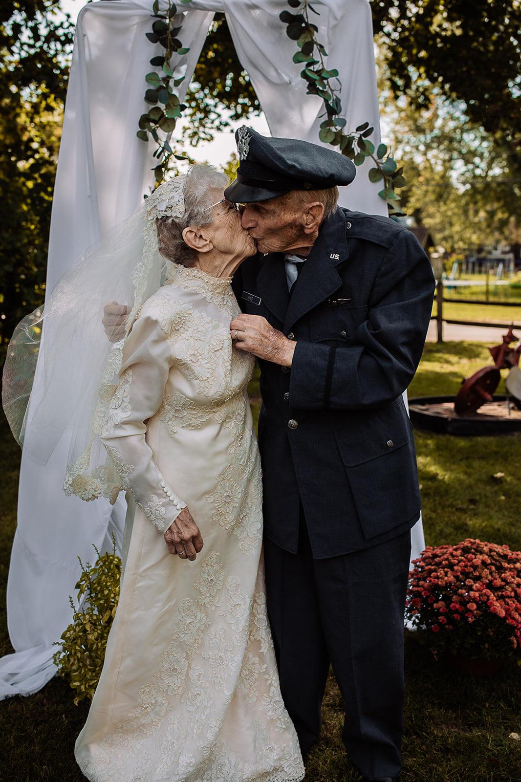 98 year old Couple finally make Wedding photos!