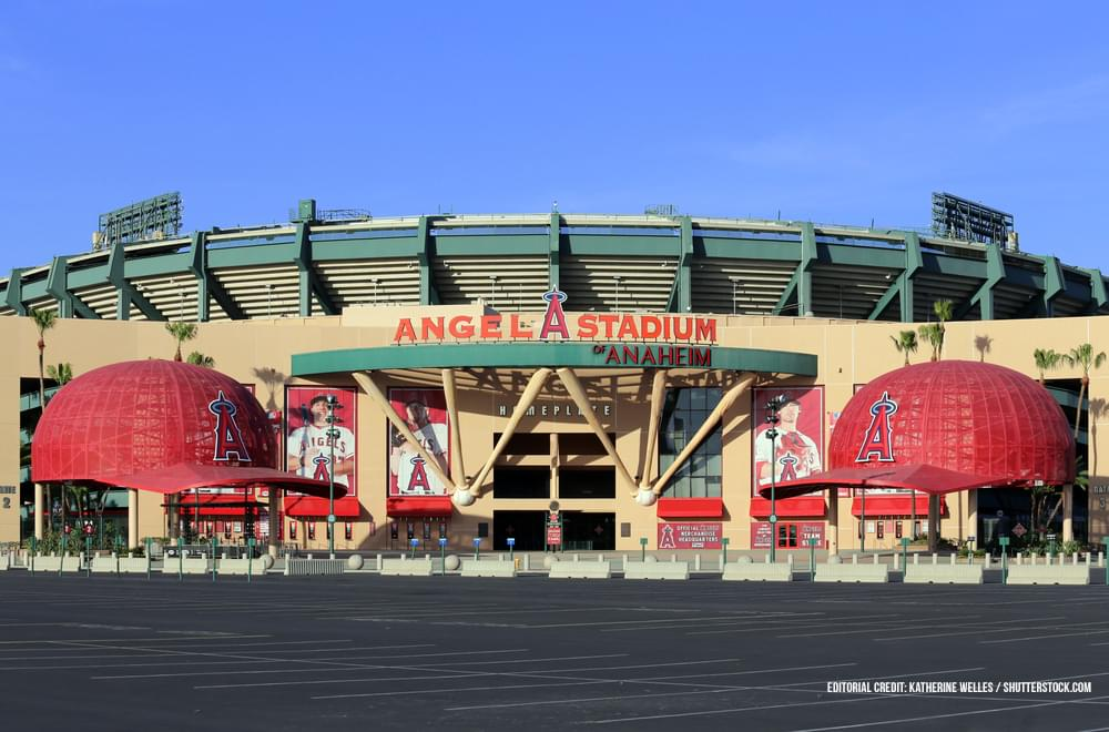 The city of Anaheim plans to sell the Angeles baseball stadium to team owner Arte Moreno for 325-million dollars.