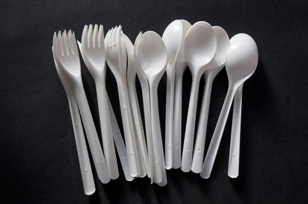 More restrictions on already over-regulated LA restaurants- No to plastic utensils. Yes to fines