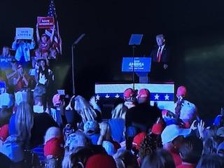 Trump wows huge Georgia rally