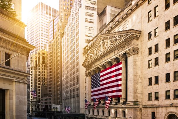 Dow, S&P 500 Log Records On Strong Quarterly Results