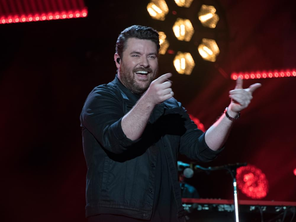 """Chris Young Announces """"Town Ain't Big Enough Tour"""" With Scotty McCreery"""