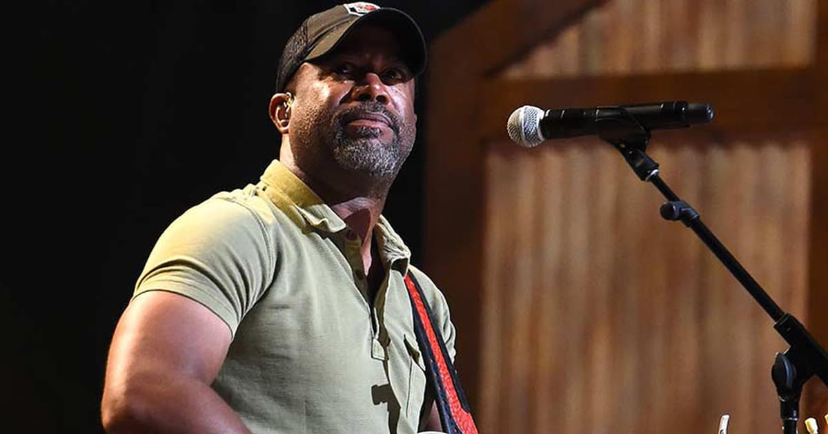 """Watch Darius Rucker Cover Randy Travis' """"Forever and Ever, Amen"""" on """"CMT Celebrates Our Heroes"""""""