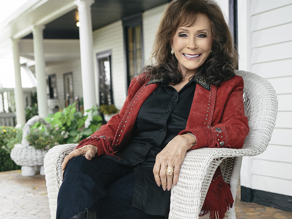 Loretta Lynn Postpones Shows to Recover From Fall