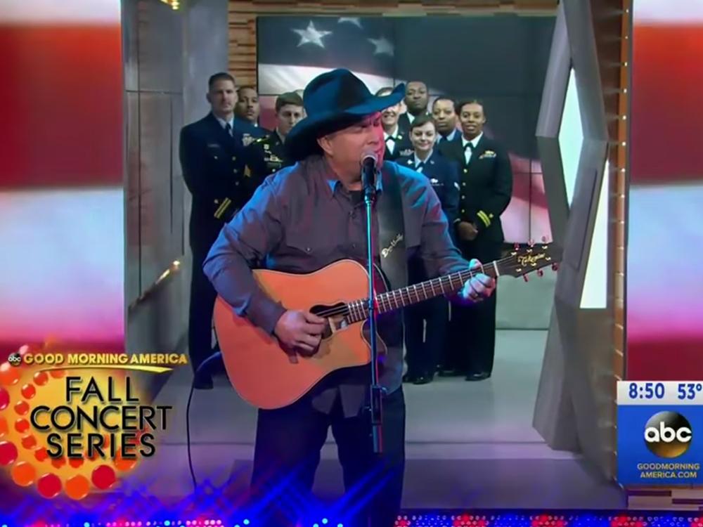 "Garth Brooks Honors Vets on ""Good Morning America""; Talks Christmas Album With Trisha Yearwood"