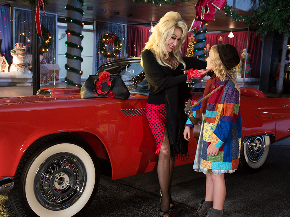 "Watch a Sneak Peek of Dolly Parton's ""Christmas of Many Colors"""