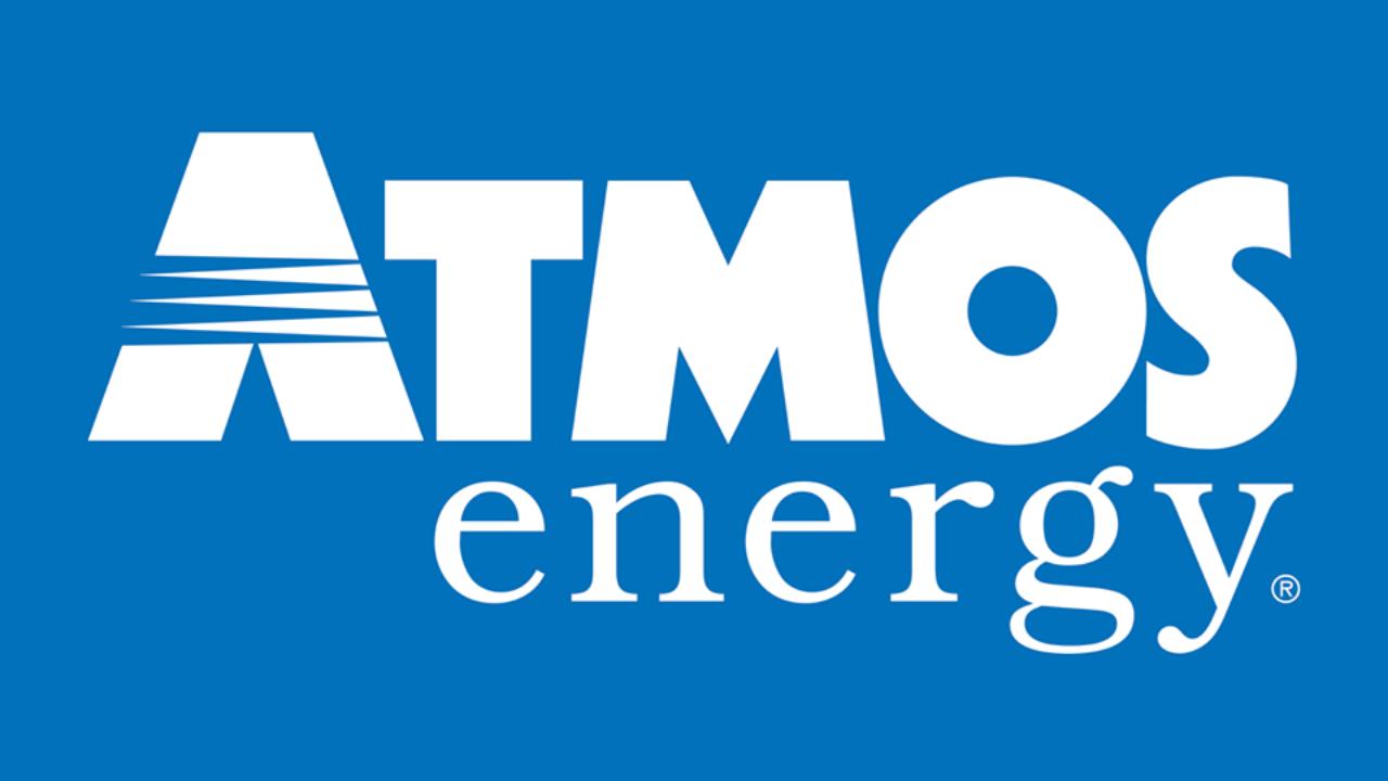 Atmos Energy Makes $5,000 Donation To MLK Center