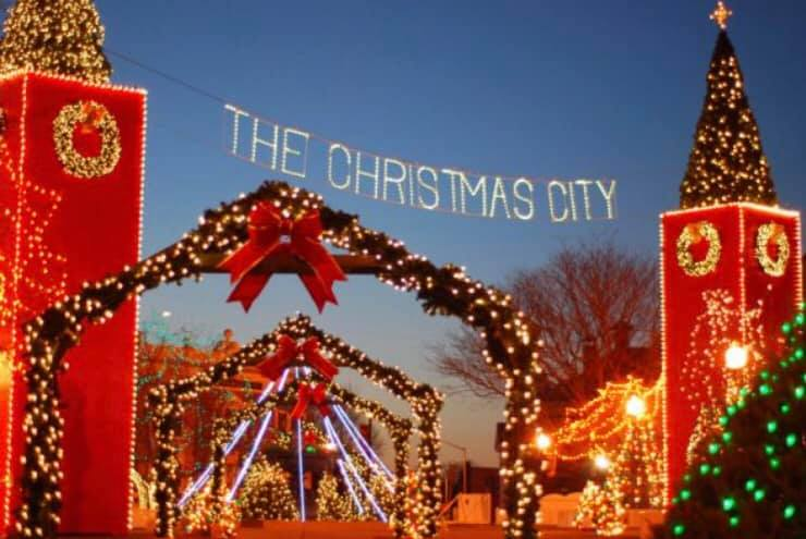 Archer City Christmas On The Square