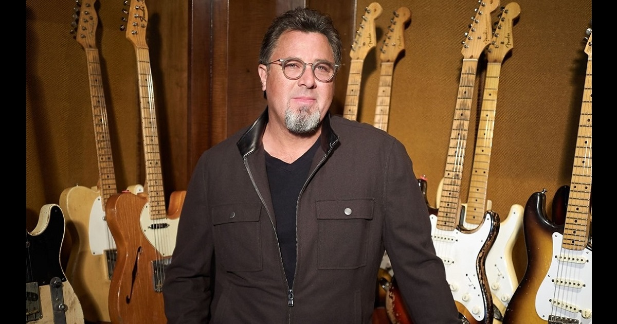 Vince Gill Honors the Fallen from the Stage of the Ryman