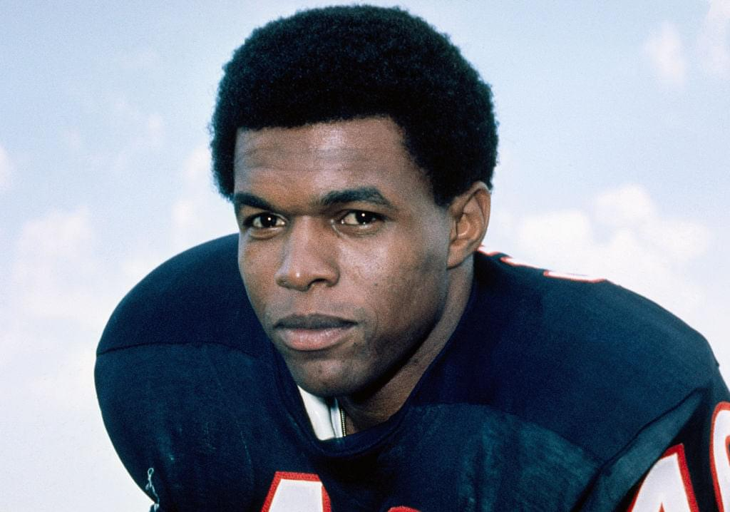 Football Legend Gayle Sayers Dies At 77