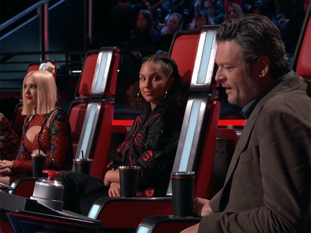 """Gwen Stefani Steals Battle Round Contestant from Boyfriend Blake Shelton on """"The Voice"""""""
