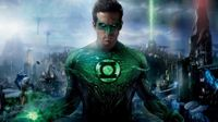 Ryan Reynolds Watches Green Lantern for First Time