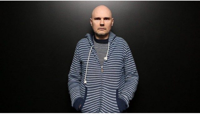 Billy Corgan covers a Frank Sinatra Christmas Classic on WGN TV