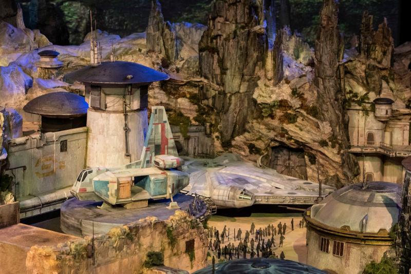 Disney reveals models for the STAR WARS THEME PARK