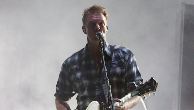 Sharon Van Etten and Josh Homme cover (What's So Funny 'Bout) Peace, Love and Understanding?
