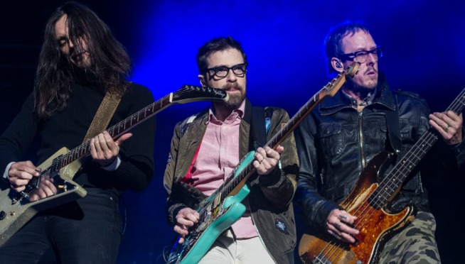 Watch Weezer perform boozed-up new track 'Happy Hour' on 'Late Show