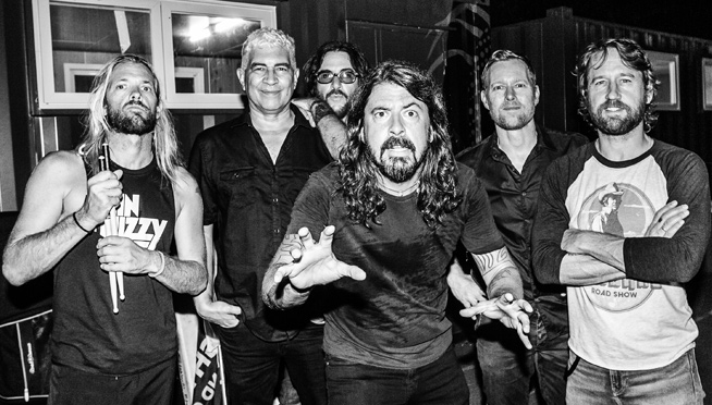 Foo Fighters finish new album & get in the van