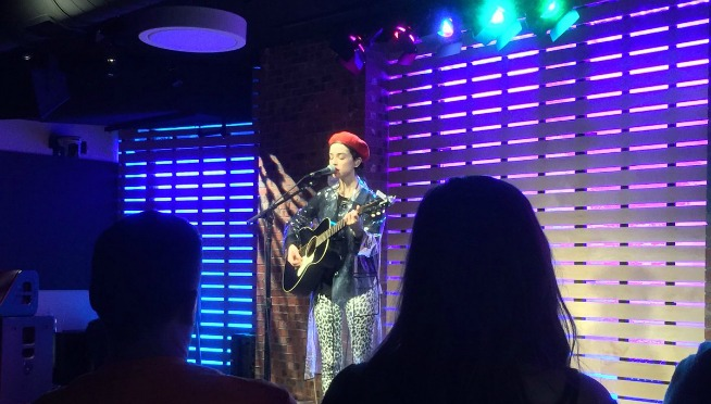 Watch St. Vincent perform in the 101WKQX LOUNGE