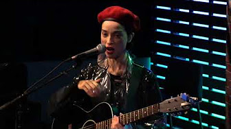 """St. Vincent Interview: """"Start In Music/Working With David Burns"""""""