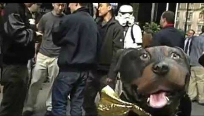 Relive Triumph the Insult Comic Dog ripping Star Wars fans