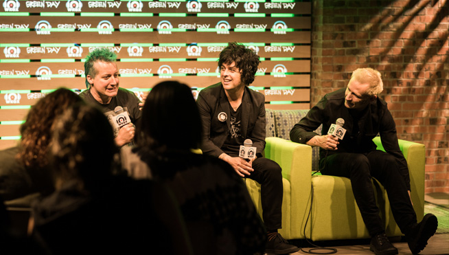 Green Day fights social media in 'Oh Yeah' video