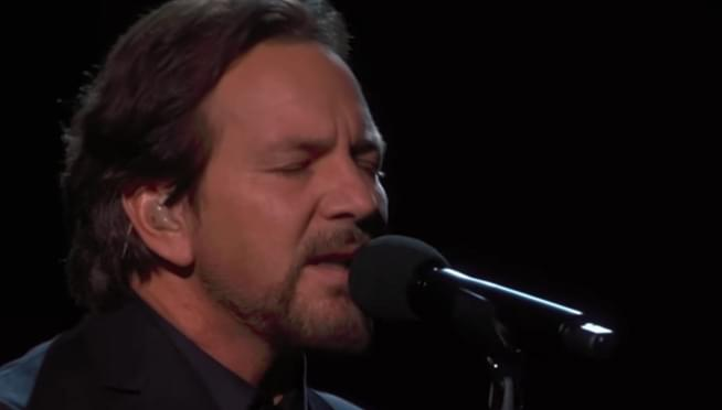 Pearl Jam's Eddie Vedder performs a touching song from 'A Star is Born'