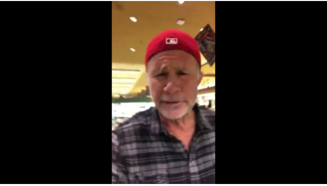 Chad Smith NOT a fan of Chili Peppers