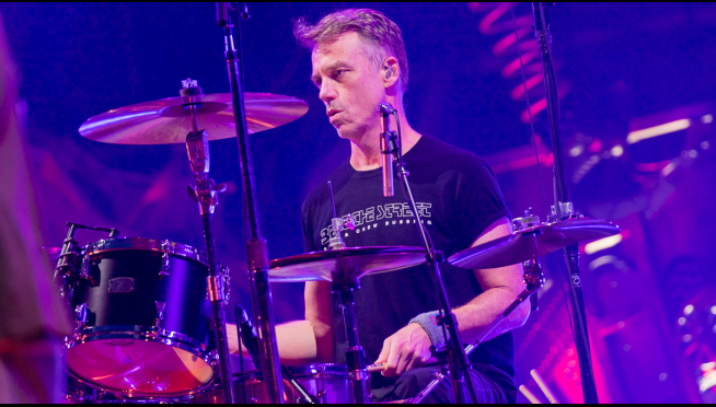 Pearl Jam, Foo Fighters drummers are working on…something.