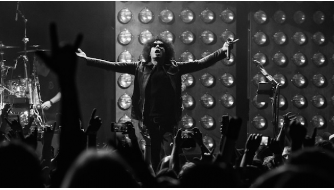 William DuVall of Alice in Chains is releasing an acoustic debut solo album