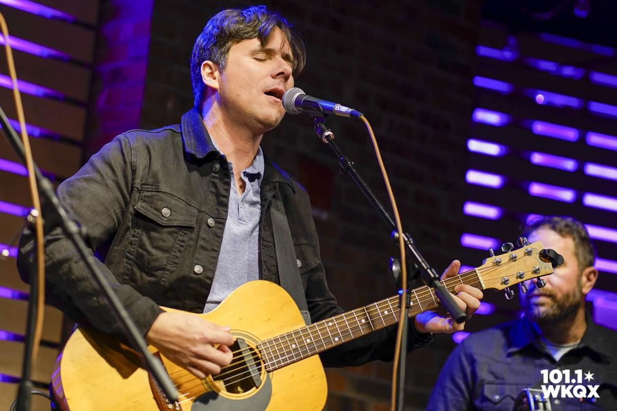 101WKQX: Watch Jimmy Eat World perform in the Lounge