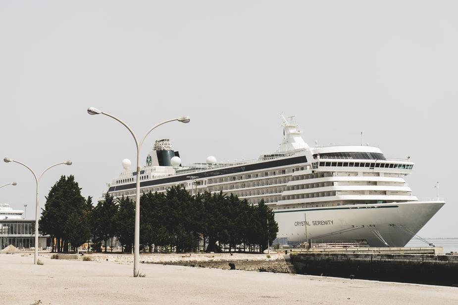 Theres a Cruise Ship that can play Seven Nation Army through its horns!