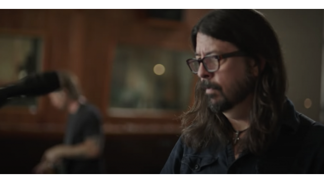 Dave Grohl Brings back Classic 'Fresh Pots' Sketch For A Hilarious New Video