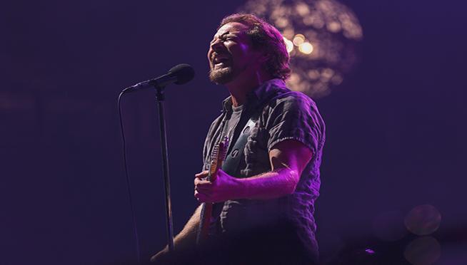 """No Code Show"" released to celebrate Pearl Jam's album anniversaries"