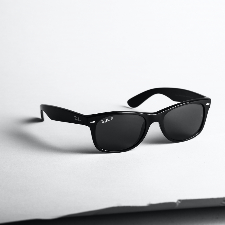 Facebook and Ray-Ban team up for Smart glasses.