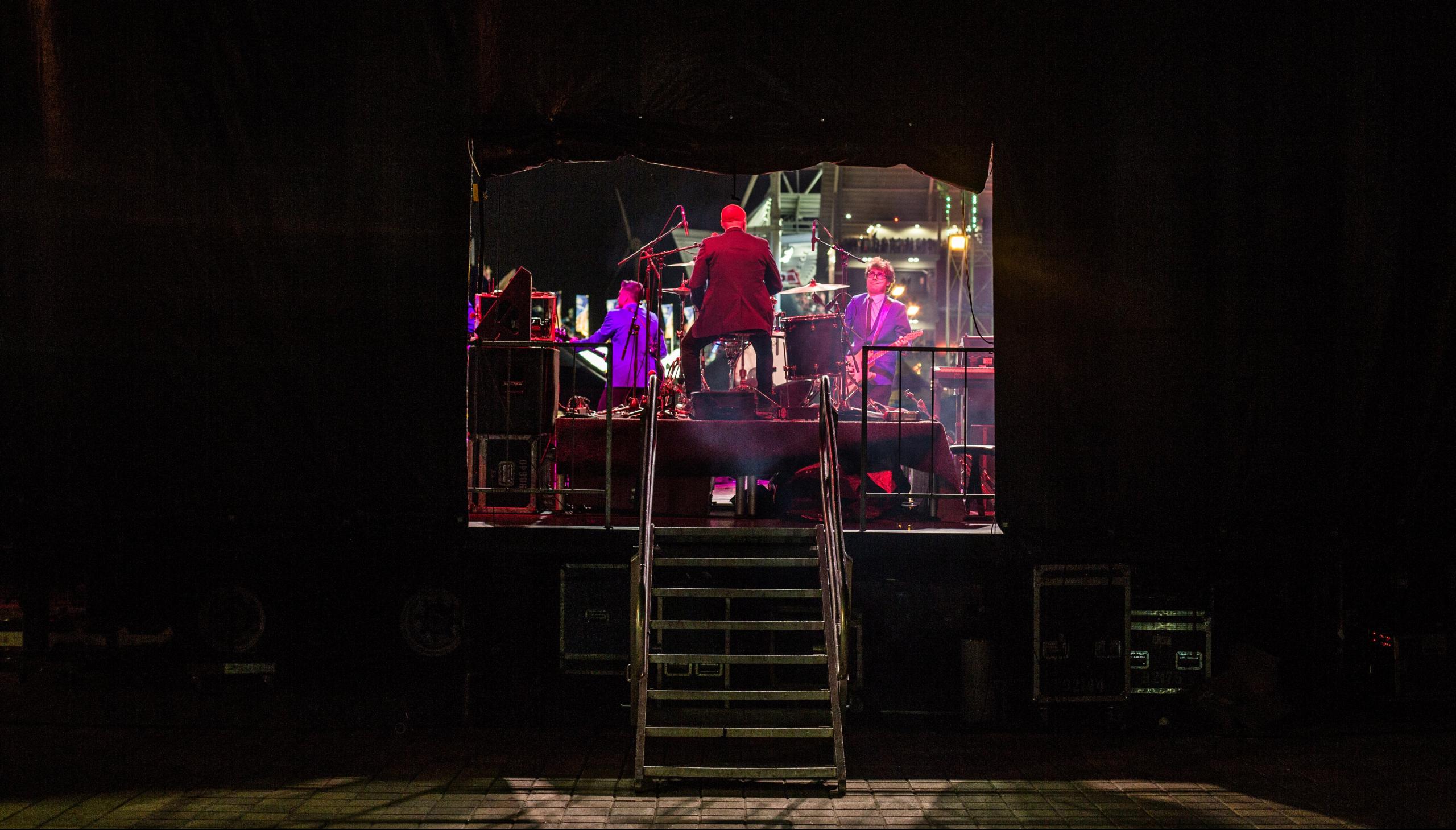 Justin became a pole dancer during Machine Gun Kelly's 'Riot Fest' set