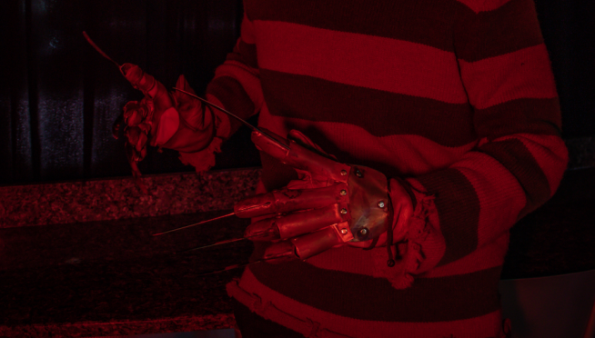 """""""Nightmare On Elm Street"""" house up for sale"""