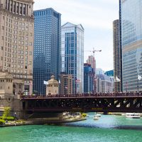 river-chicago-buildings-boats_654x372_01
