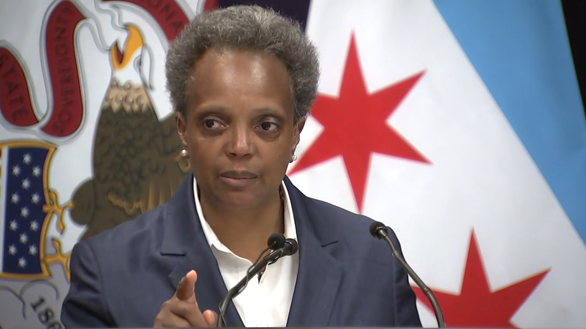 Lightfoot puts looting issue in the corner of Foxx and judges